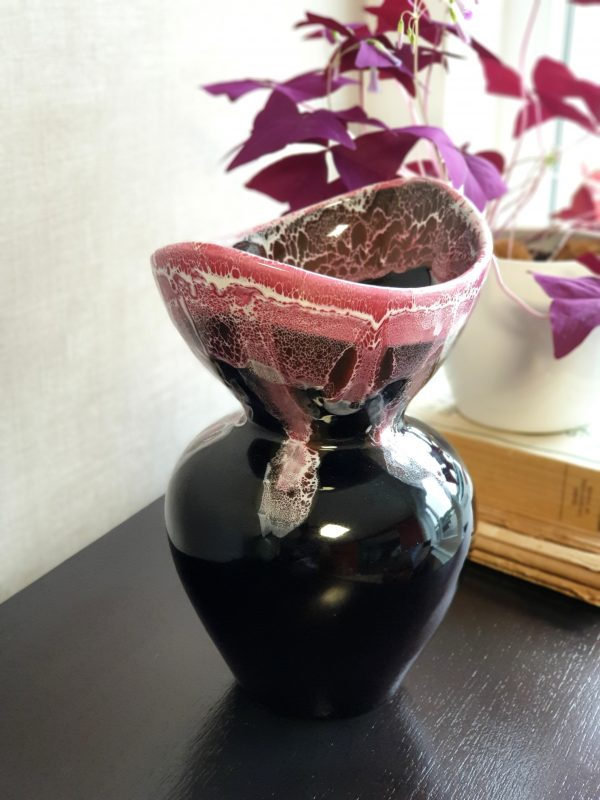 Vase Fat Lava rose/noir de VALLAURIS 6
